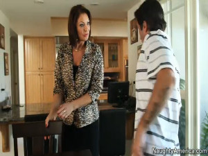 Vanessa Videl - Seduced By A Cougar