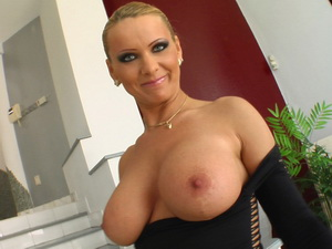 MILF Vinnie wants two guys to tear her up