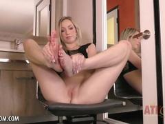 Zoe Parker sucks her sexy toes