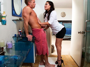 London Keyes - My Wife's Hot Friend